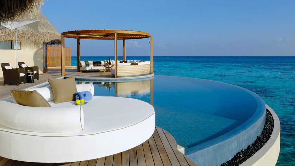Maldives water villa resorts with private pool 2 for Hotel with private swimming pool